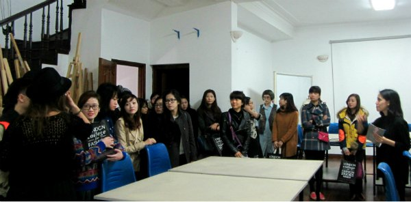 LONDON COLLEGE FOR FASHION STUDIES START THE SPRING TERM 2012 SUCCESSFULLY0.8937805906983765
